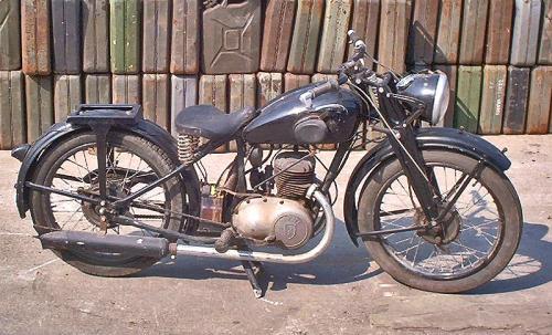 1937 DB200