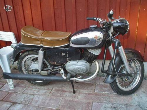 1957 S-Sabre_in_Sweden-a